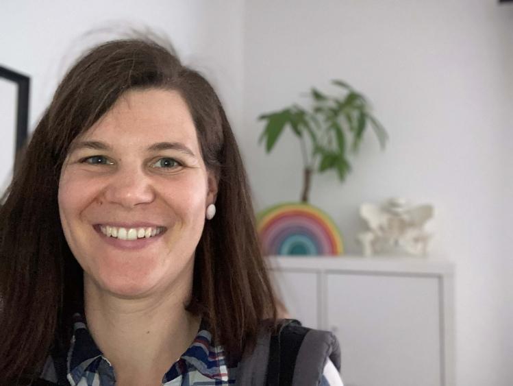 Aylin Knapp beim Bloggen
